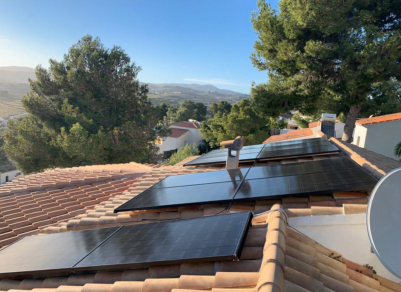 paneles solares installation in Moraira