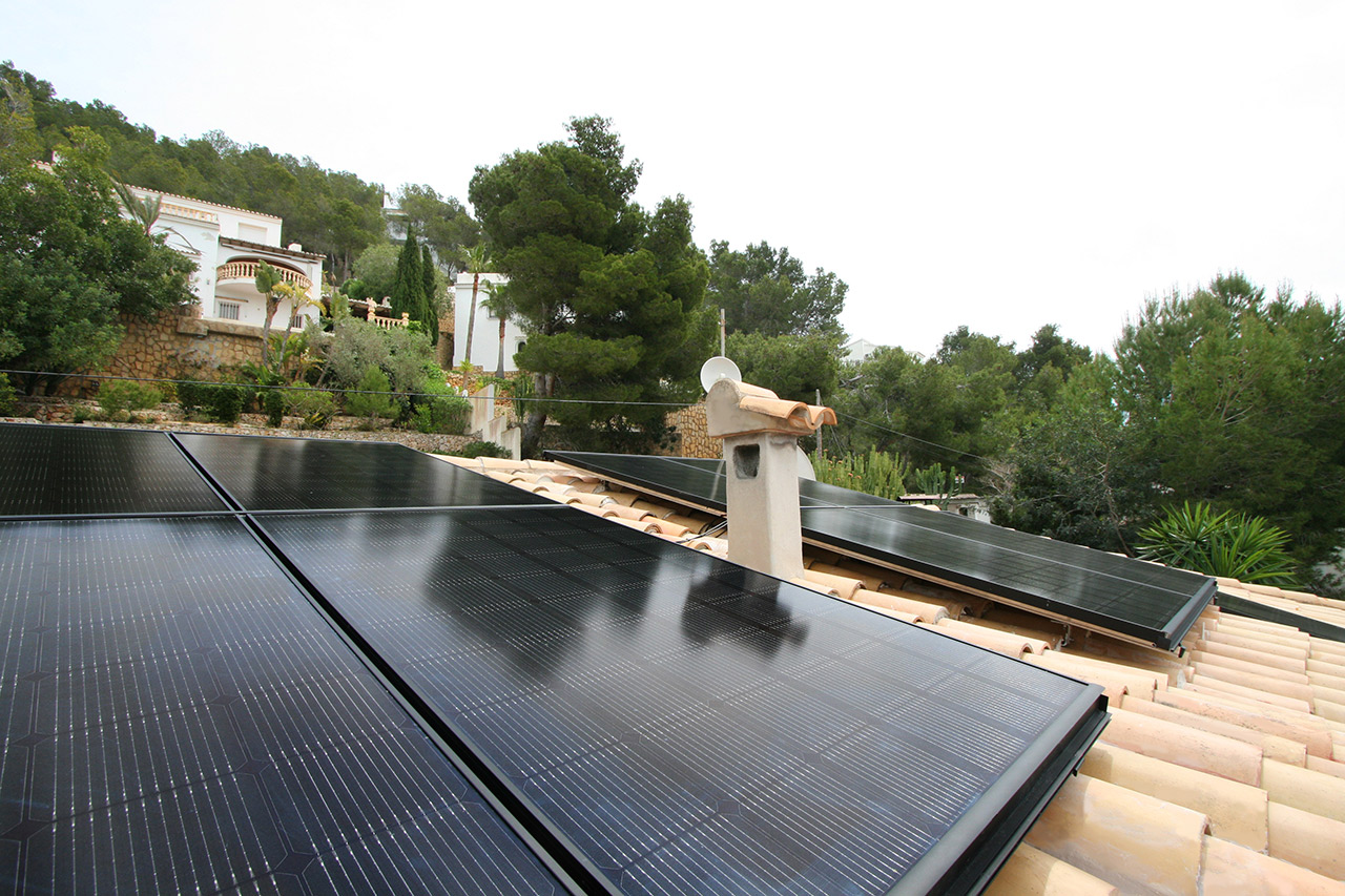 installation of solar panels in Moraira