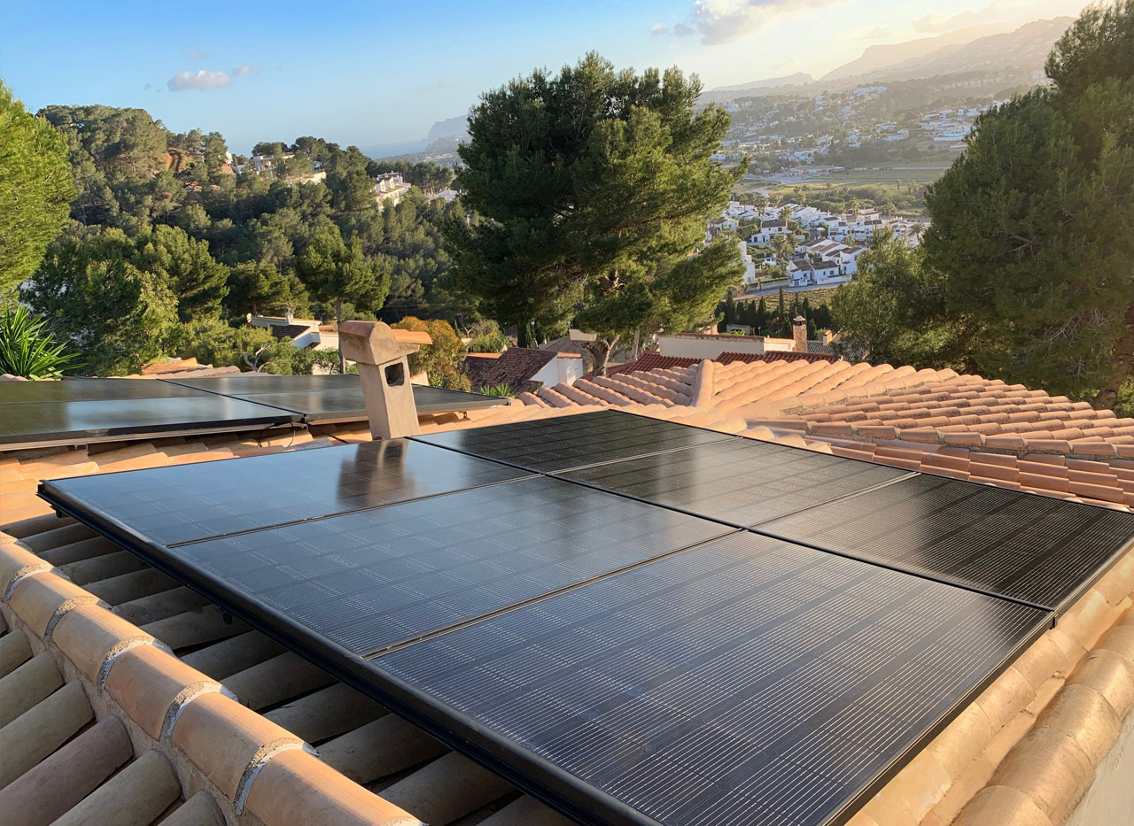 installation of solar panels in Moraira