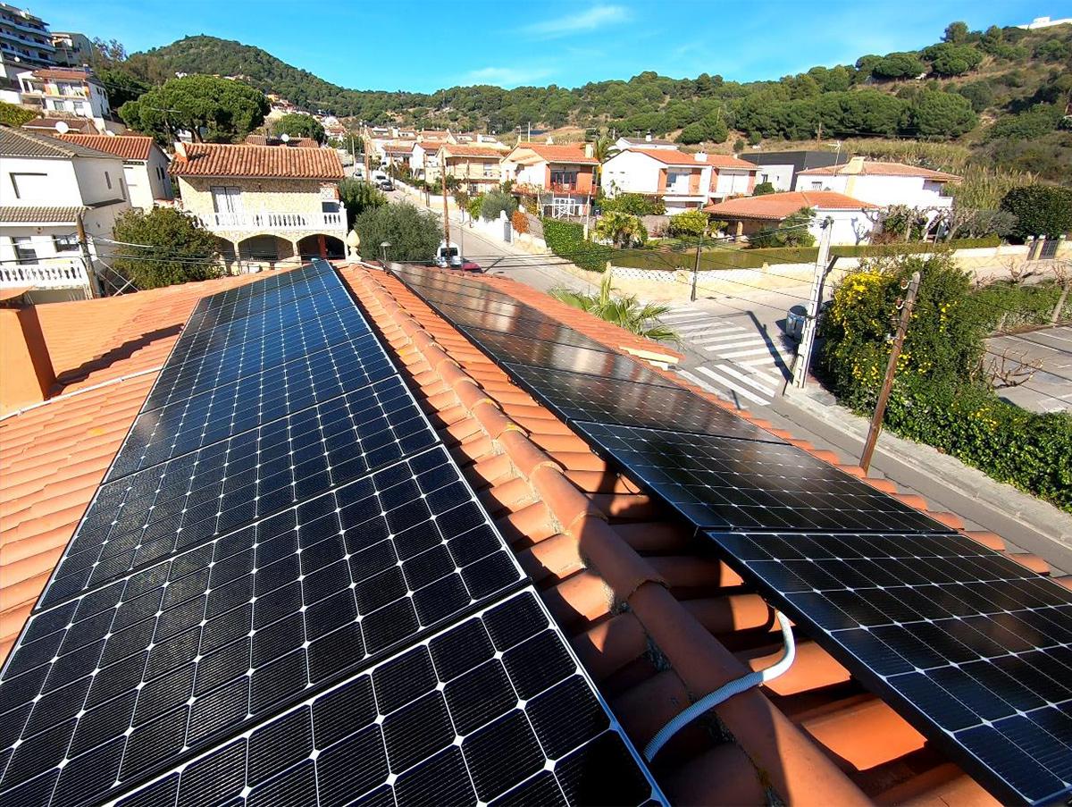 instalación de paneles solares en costa brava