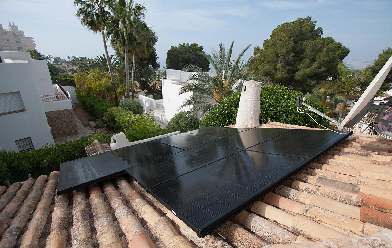 INSTAINSTALATION OF SOLAR PANELS IN DENIA