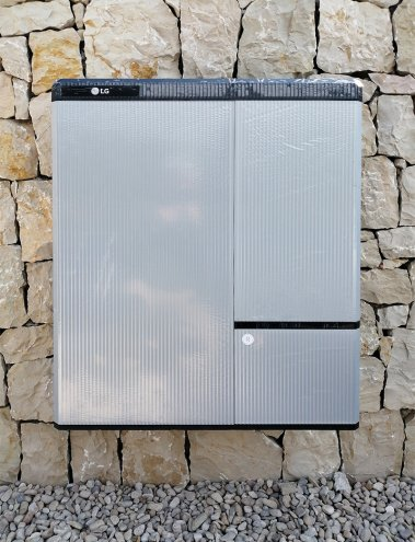 off-grid solution with solar batterys LG CHEM